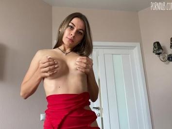 Папаша представил секс с дочкой в красном платье