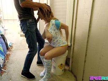 Дочь наказана за то что вернулась под утро с пижамной вечеринки
